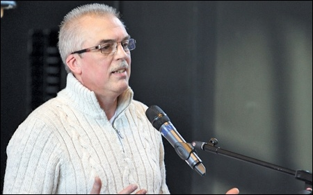 Kevin Bennett speaks at the TUSC conference, January 24, photo by Senan